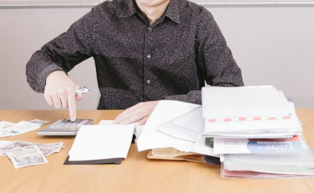 収入証明書類の必要性